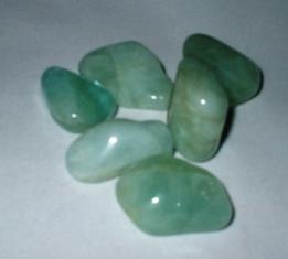 crystals-aquamarine-tsaqua2.jpg
