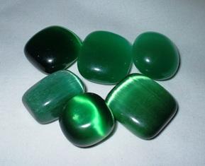 crystals-cats-eye-green-catsgreen2.jpg